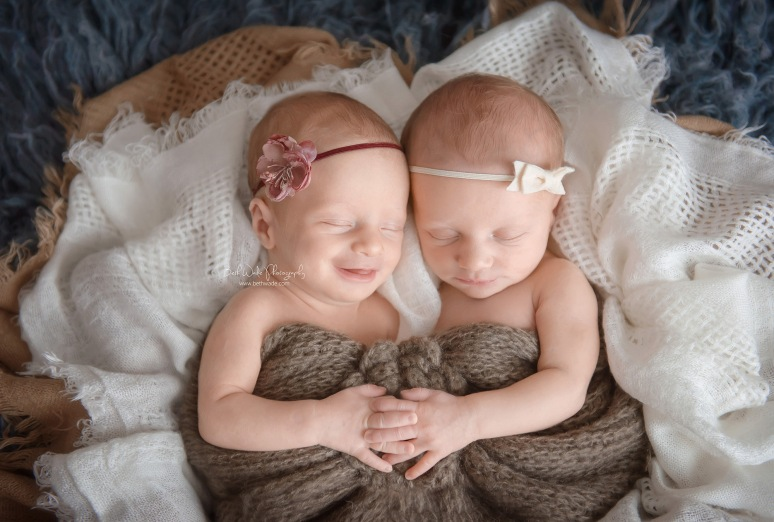 newborn girl twins! sisters 9 days old {charlotte baby photographer}