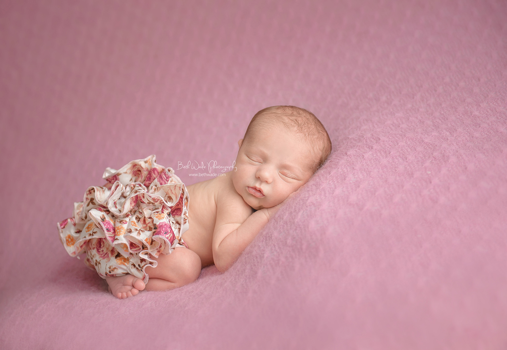 happy 1 week old newborn girl ~ family of 3 {south charlotte baby photographer}