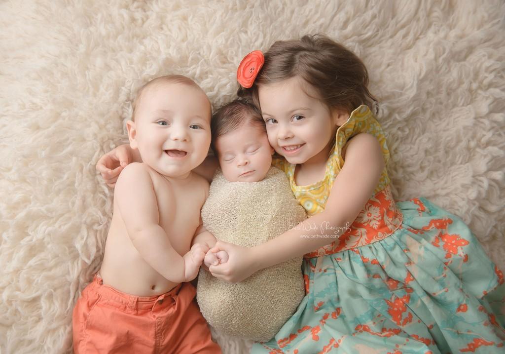 11 days new! baby girl and siblings ~ {piper glen newborn photo shoot}