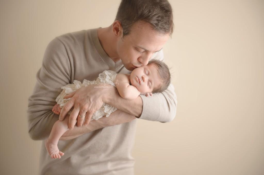11 days new! daddy and baby girl ~ {piper glen newborn photo shoot}