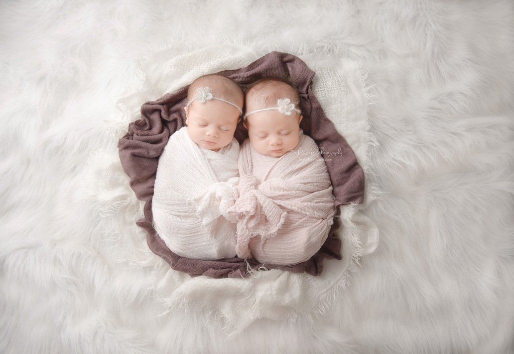 identical twin girls! 6 week old sisters {charlotte-palisades newborn photographer}