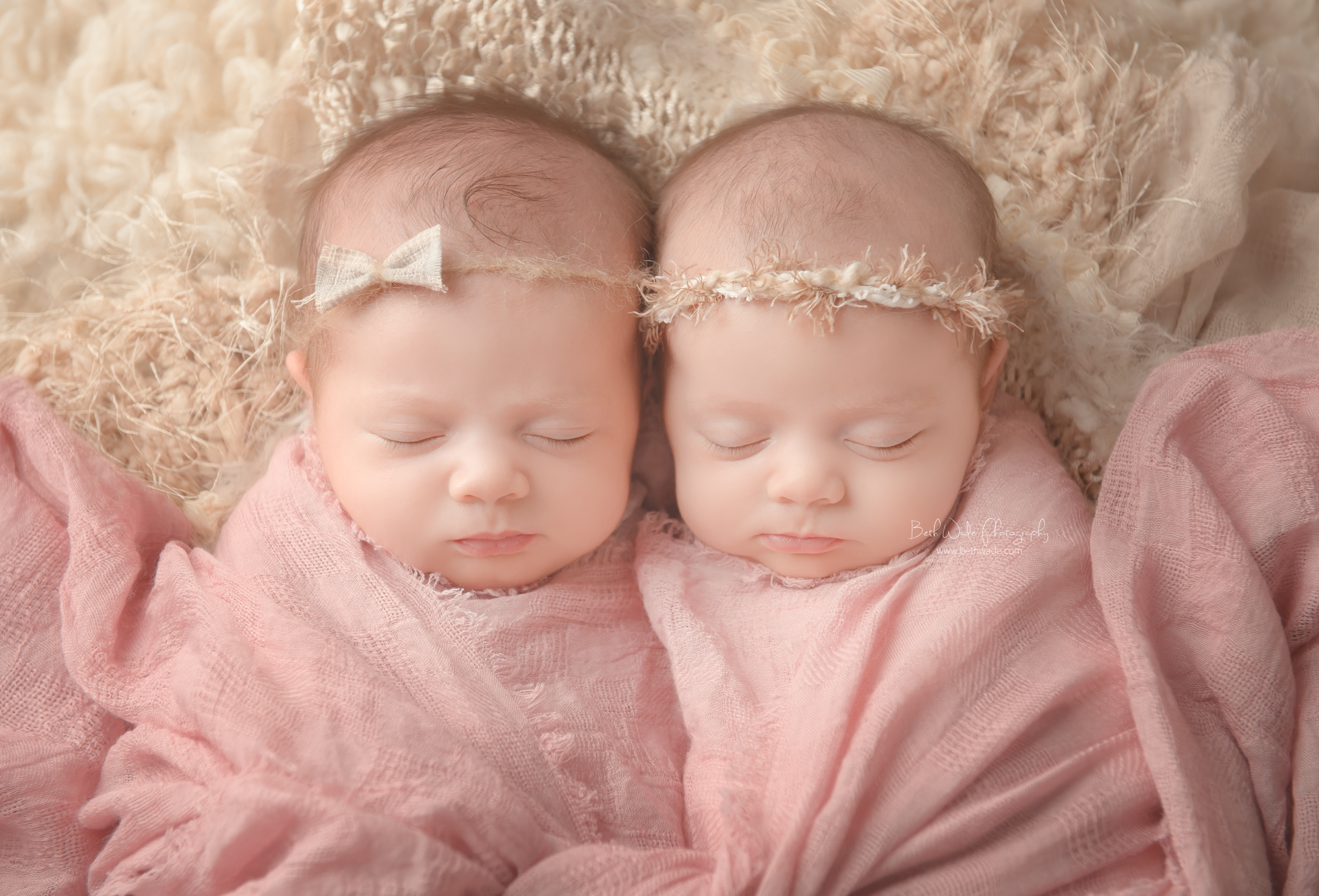 identical twin girls! 6 week old sisters {charlotte-palisades ...