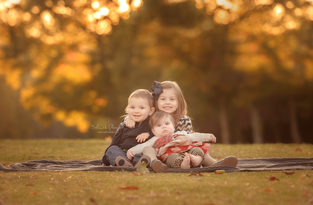 happy siblings ~ 1 year and 6 month photos {piper glen baby photographer}