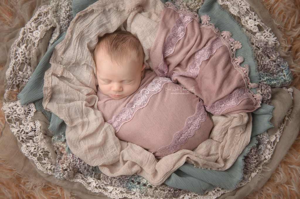 peachy 14 day old baby girl {ballantyne newborn photographer}