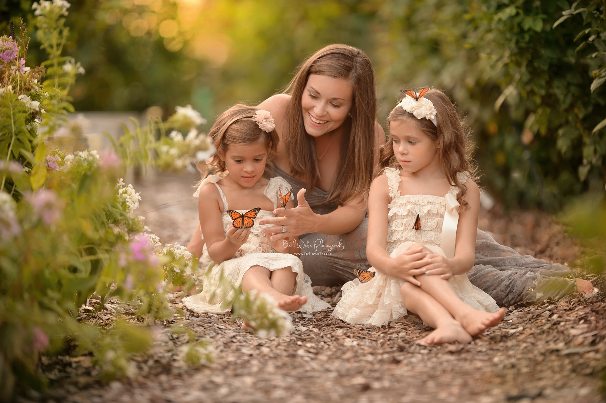 the durst girls ~ sisters, butterflies+balloons {charlotte family photographer}